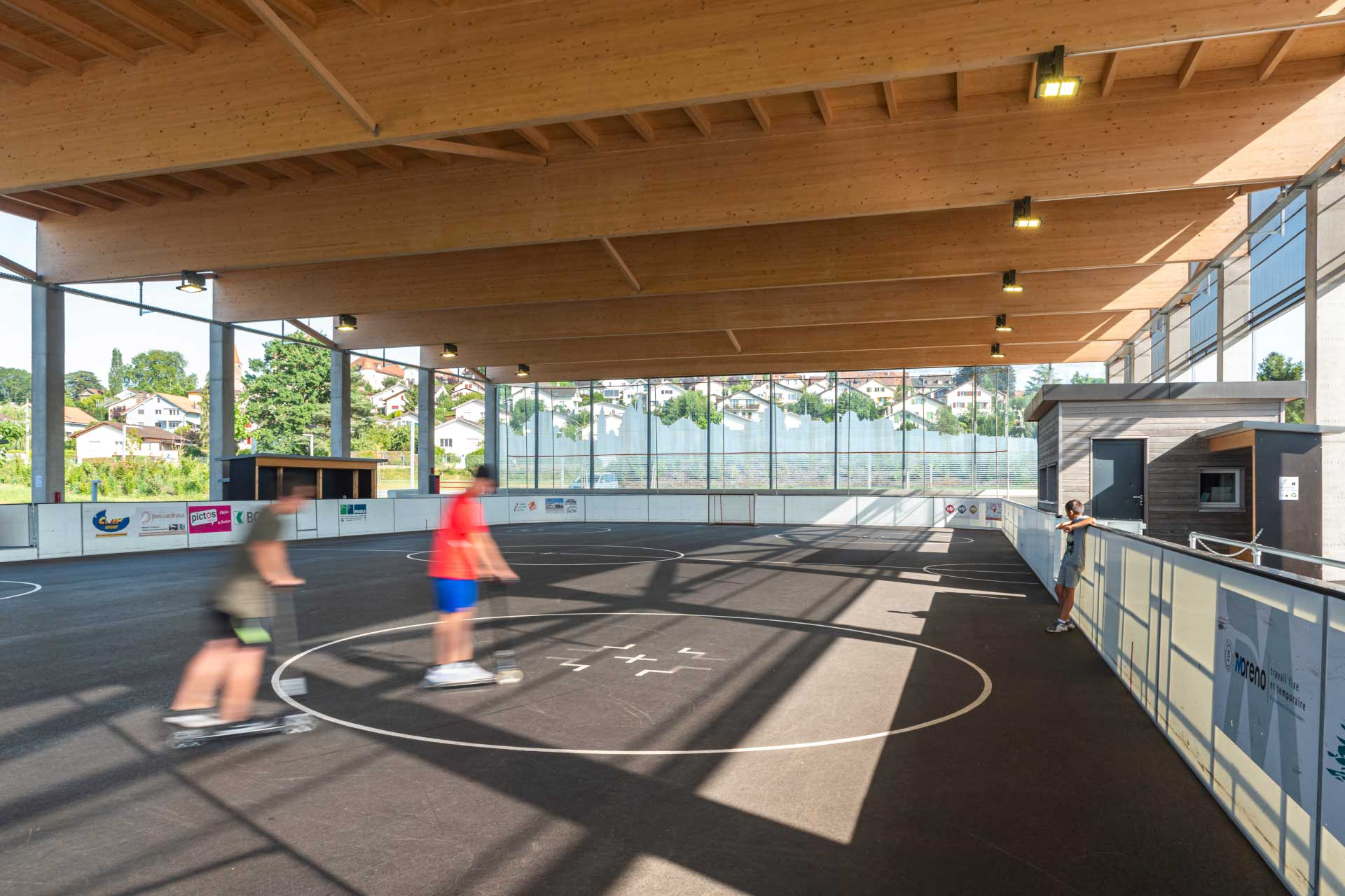 Schréder sports lighting solution creates a safe and pleasant ice rink by night so residents can skate away to their hearts content